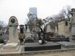 Sculptures sur monuments funéraires